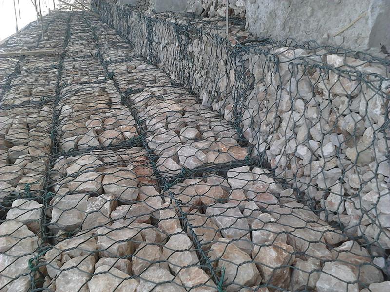 六角网石笼网 电镀锌六角网 圈羊网 拧花网厂家